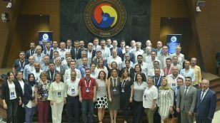 TOBB Başkanı M. Rifat Hisarcıklıoğlu, TOBB Genel Sekreterler Bilgilendirme toplantısına katılarak, oda / borsa genel sekreterlerine hitap etti.Toplantıya Borsamız Genel Sekreteri Halil Tüysüz katılım sağladı.
