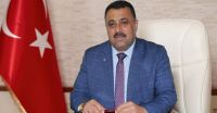 Karapınar Ticaret Borsası Yönetim Kurulu Başkanı Ahmet ULUSOY yeni yıl dolayısıyla yayımladığı mesajında, 2019'un Türkiye'ye ve tüm dünyaya sevgi,barış,refah ve huzur getirmesi dileğinde bulundu. ULUSOY mesajında şu görüşlere yer verdi: